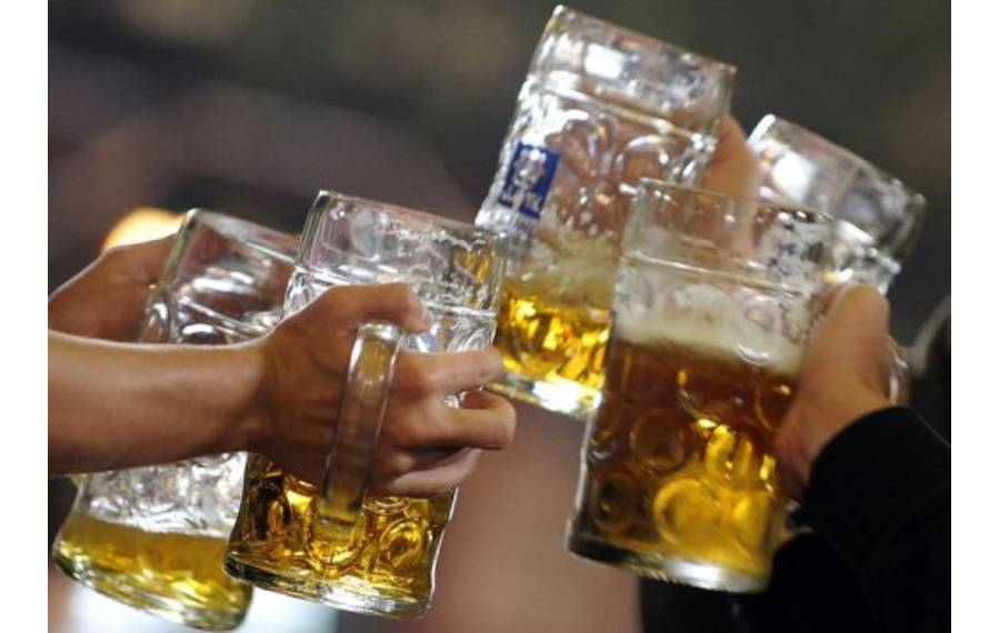 the effects of binge drinking Binge drinking has many effects on your body, both over the short and long term.